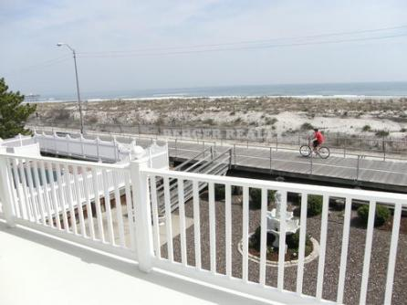 1648 Boardwalk